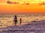 Sunset Beach Family Tourists Coast  - eserrano13 / Pixabay
