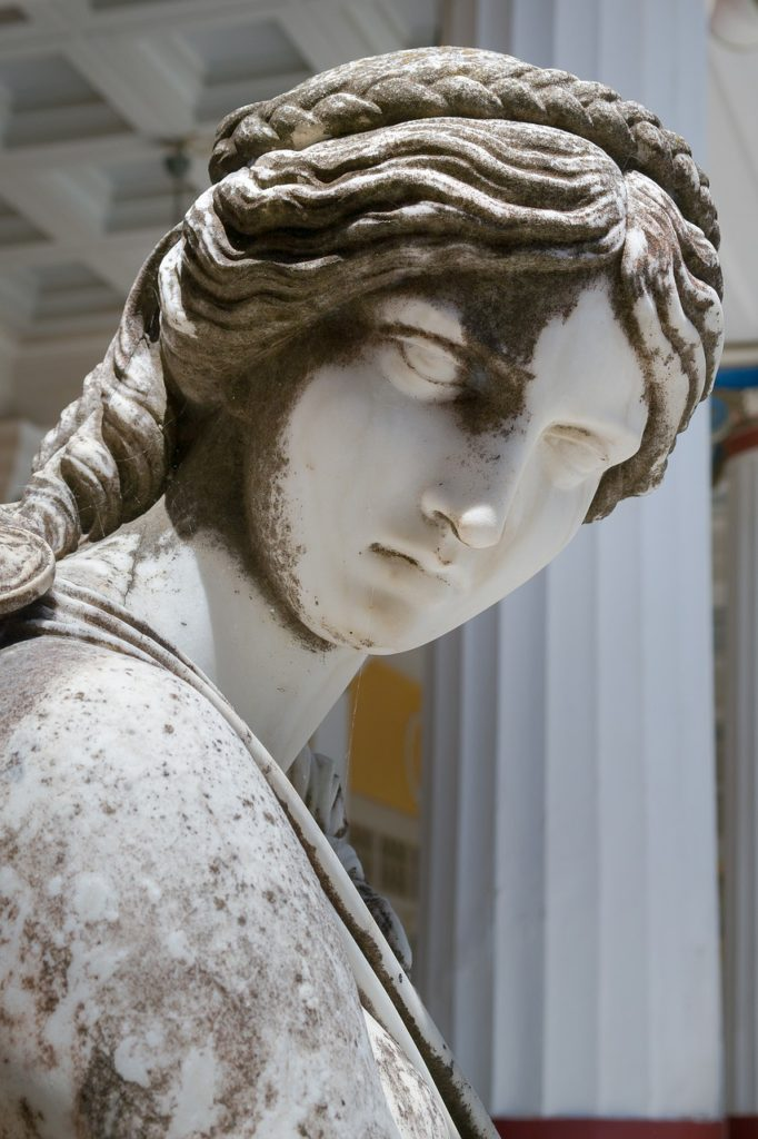 Muse Woman Sculpture Statue  - Devanath / Pixabay